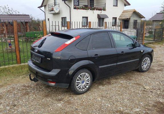 Ford Focus   - Hatchback